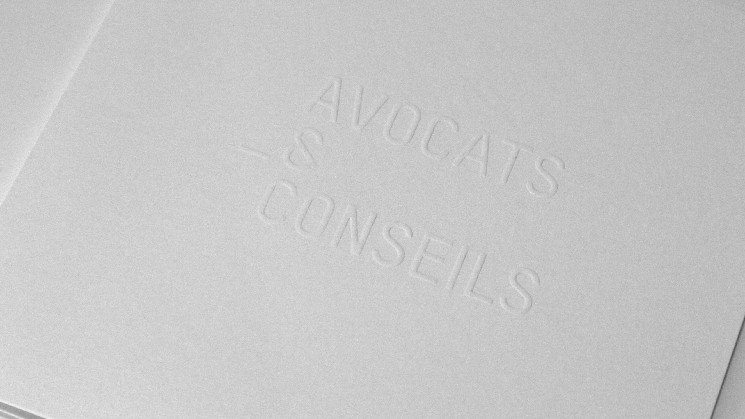 Avocats_logo_Embos_2560x1440px